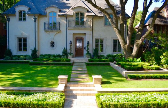 Highland Park Manor